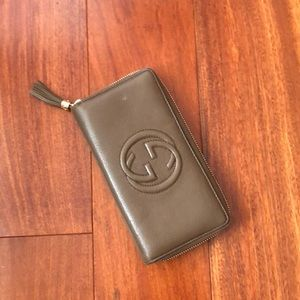Gucci Bags - GUCCI - Soho zip around wallet